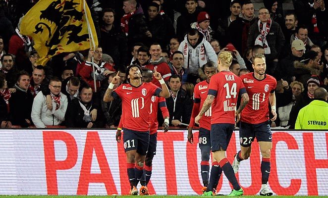 Ryan Mendes (11) scored to help keep Lille in the third place spot in Ligue 1 on Saturday.