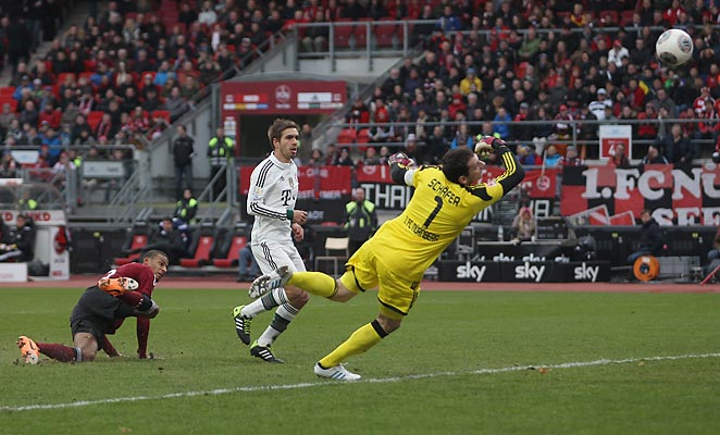Phillipp Lahm scored the second goal as Bayern Munich overcame a rough start to defeat Nurnburg.