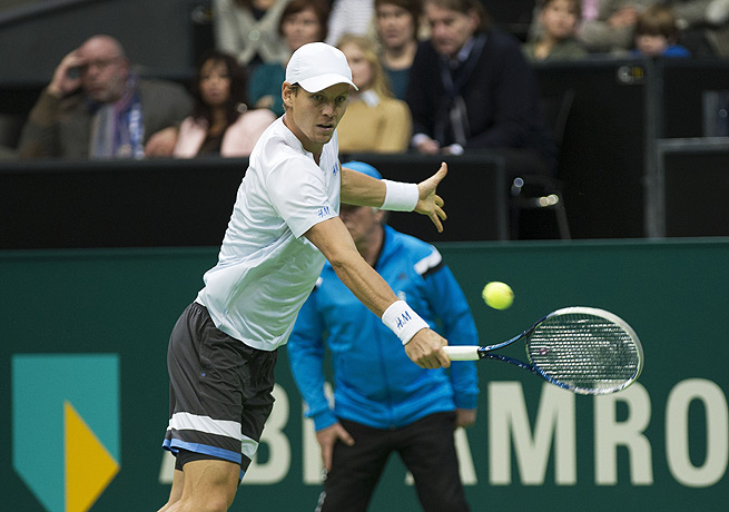 Tomas Berdych will take on Marin Cilic in the title match of the ABN Amro tournament.