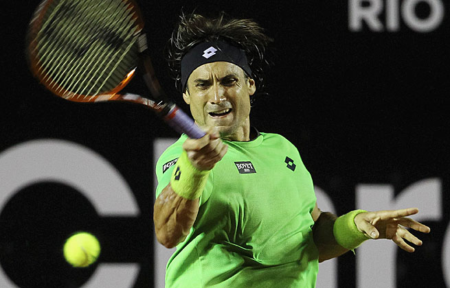 David Ferrer reached the quarterfinals of the Rio Open after a straight sets win over Federico Delbonis.