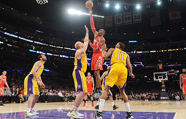 Dwight Howard was booed in his return to L.A. but his double-double lifted the Rockets to a win.