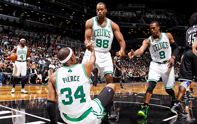Jason Collins (98) will be reunited with fellow ex-Celtics Paul Pierce (34) and Kevin Garnett in Brooklyn.