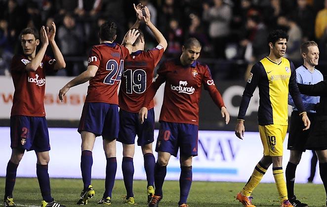 Atlético Madrid's 3-0 loss at Osasuna ensured taht Real Madrid will top the La Liga table.