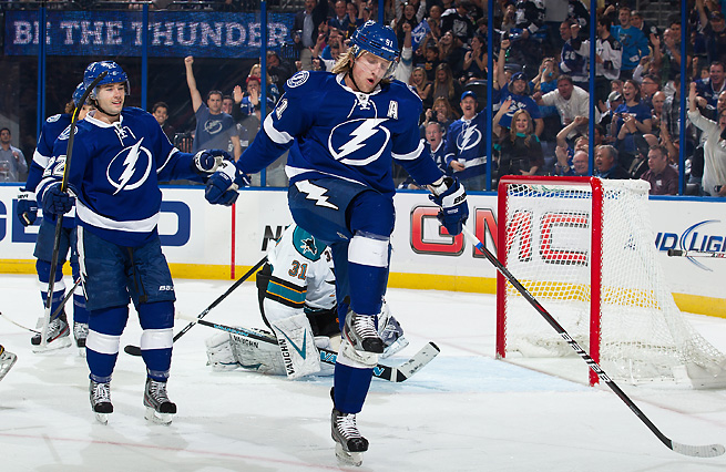 Lightning star Steven Stamkos (center) isn't quite ready to return from a broken shin.