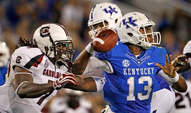 Clowney pressures Kentucky quarterback Jalen Whitlow.