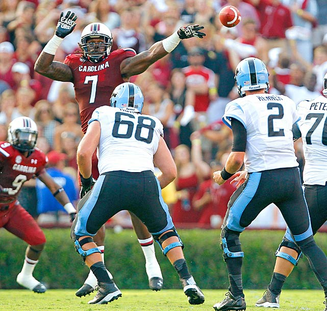 Clowney tries to block a pass against North Carolina.