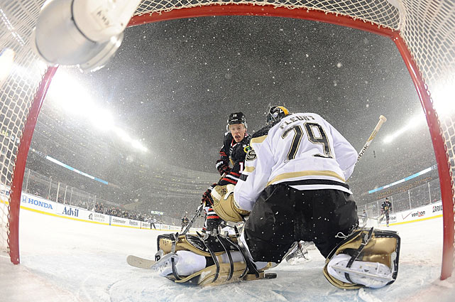Blackhawks captain Jonathan Toews was the scoring star for Chicago, beating Penguins goalie Marc-Andre Fleury for two goals and tacking on an assist in his team's 5-1 win that dropped Pittsburgh's all-time mark to 1-2 outdoors. The Blackhawks are evened theirs to 1-1.