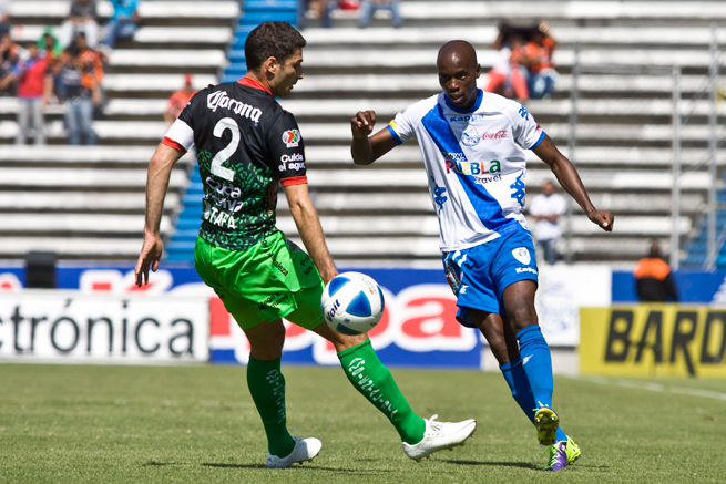 U.S. international DaMarcus Beasley, right, scored for Puebla over the weekend.