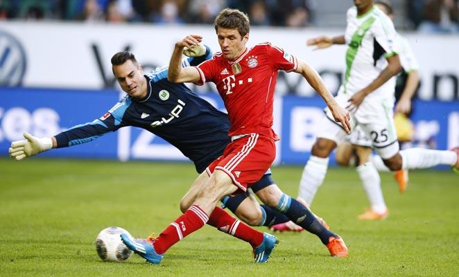 Thomas Muller scored twice as Bayern scored six unanswered goals in a 6-1 demolishing of Wolfsburg.
