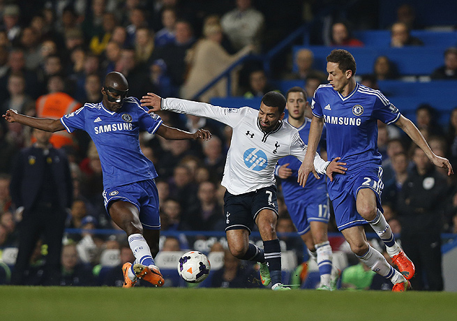 Nemanja Matic (right), Ramires (left) and Chelsea outclassed Tottenham to remain atop the EPL.