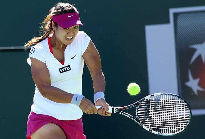 Li Na had 15 winners and 28 unforced errors in her third-round victory over Karolina Pliskova.
