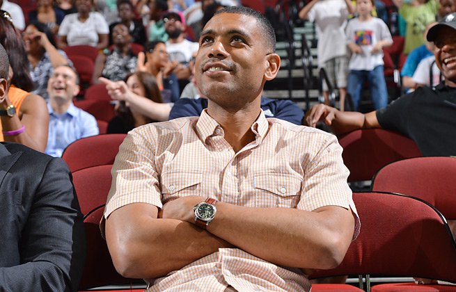 Allan Houston will serve as the general manager of the Knicks' new D-League team.