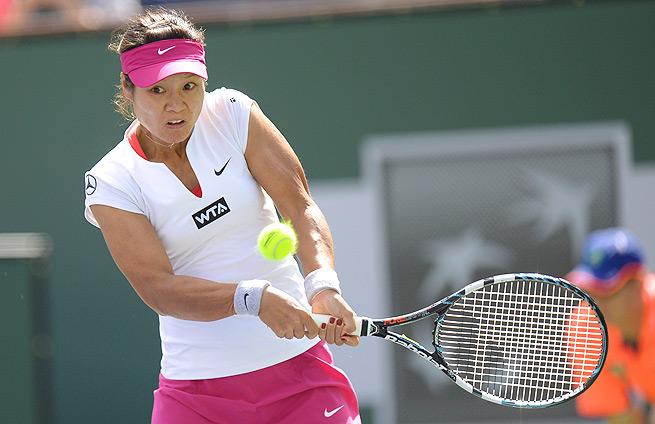 Li Na and Dominika Cibulkova faced off in a rematch of their Australian Open final.