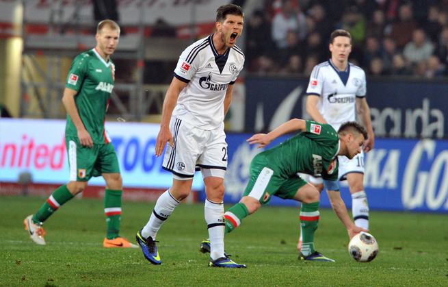 Klaas-Jan Huntelaar scored two goals against Augsburg in Schalke's Bundesliga win on Friday.