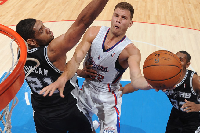 Blake Griffin has 26 straight 20-point games, leading the Clippers to a 20-6 record in that span.