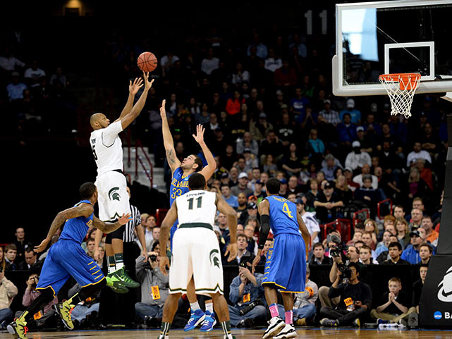 Adreian Payne (shooting) scored a career-high 41 points in Michigan State's win over the Blue Hens. It was the first 40-point performance in the NCAA tournament since Stephen Curry did it for Davidson in a win over Gonzaga in 2008.