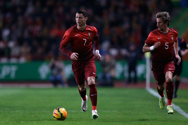 Cristiano Ronaldo (7), Fabio Coentrao and Portugal will train at the New York Jets training facility prior to the World Cup.