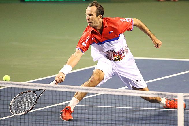 Radek Stepanek beat Tatsuma Ito 6-7 (5), 7-6 (5), 6-1, 7-5, helping the Czech Republic to an early Davis Cup lead.