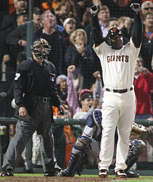 Barry Bonds broke Aaron's record in 2007 with far fewer people paying attention.