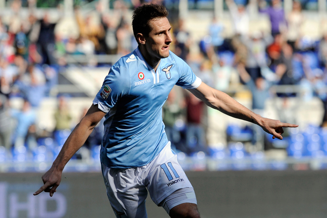 Lazio and Germany forward Miroslav Klose will miss a month with a muscle tear.
