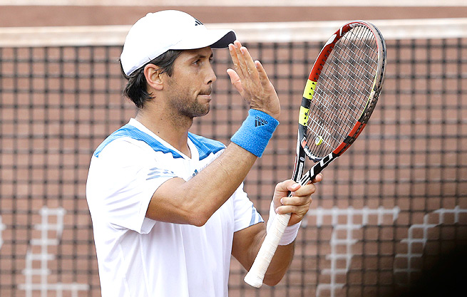 Fernando Verdasco beat countryman Nicolas Almagro 6-3, 7-6 (4) to win his first ATP title since 2010.