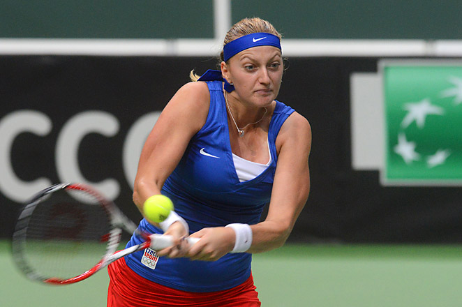 Petra Kvitova beat Roberta Vinci in reverse singles, giving the Czech Republic an unbeatable 3-0 lead.