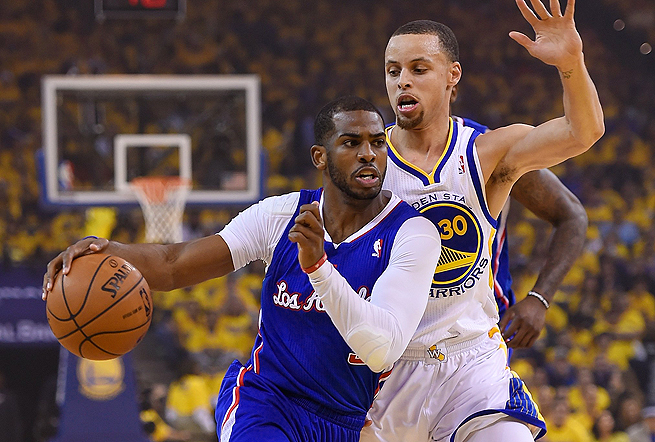 Chris Paul (left) and Stephen Curry each made clutch plays despite neither playing their best overall.