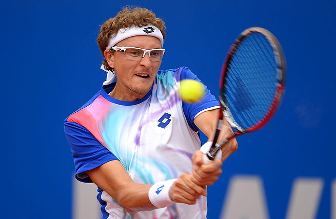 Denis Istomin needed three sets to defeat No. 26 Philipp Kohlschreiber in Munich.