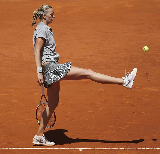 Petra Kvitova was forced to punt during her semifinal match against Simona Halep, who returned the ball for a thrilling 6-7 (4/7), 6-3, 6-2 triumph.
