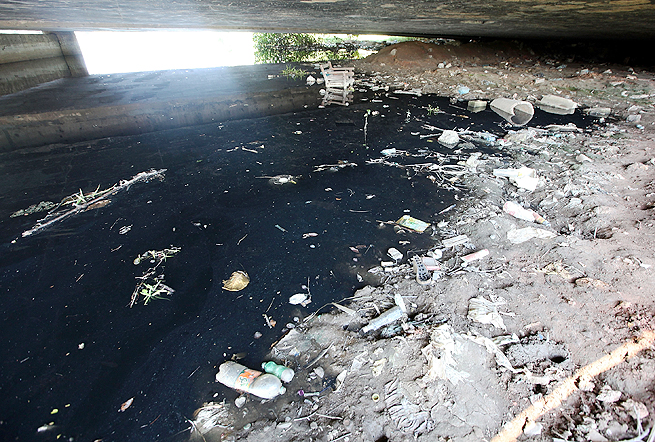 Authorities pledged to cut by 80 percent the flow of pollution into Guanabara Bay by the 2016 Games.
