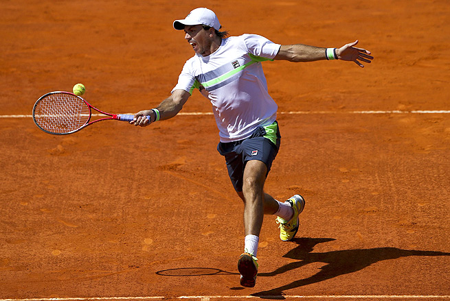 Carlos Berlocq recently emerged victorious against Tomas Berdych to win the Portugal Open.