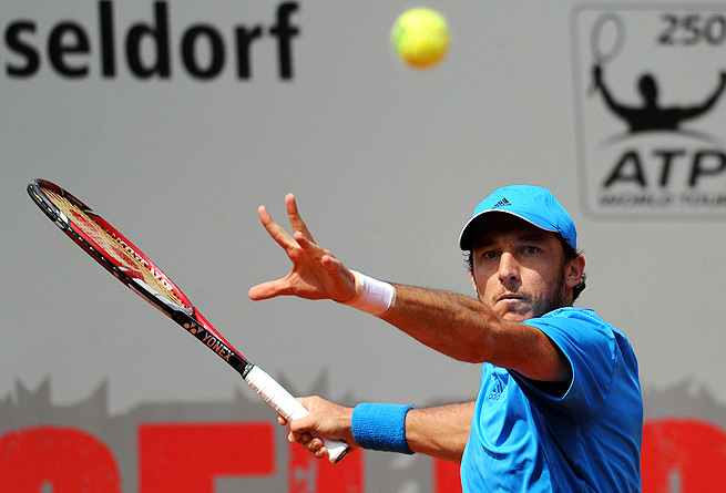 Juan Monaco dropped only three games against Benjamin Becker in the opening round in Duesseldorf.