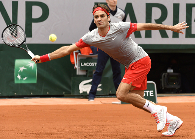 Roger Federer defeated Lukas Lacko in straight sets in his opening match at the French Open.