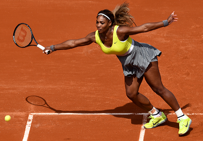 Serena Williams dropped only three sets in her opening-round match against Frenchwoman Alize Lim.