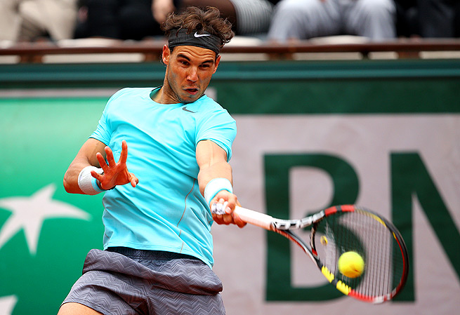 Rafael Nadal thoroughly dominated Dominic Thiem in the second round, winning 6-2, 6-2, 6-3.