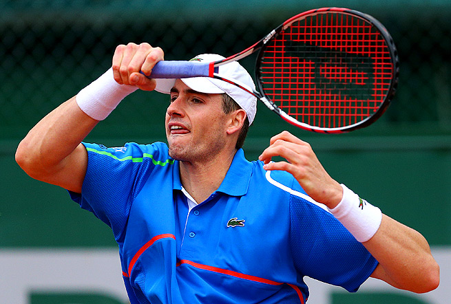 John Isner's and Tommy Robredo's match went to tiebreakers in three of the four sets.