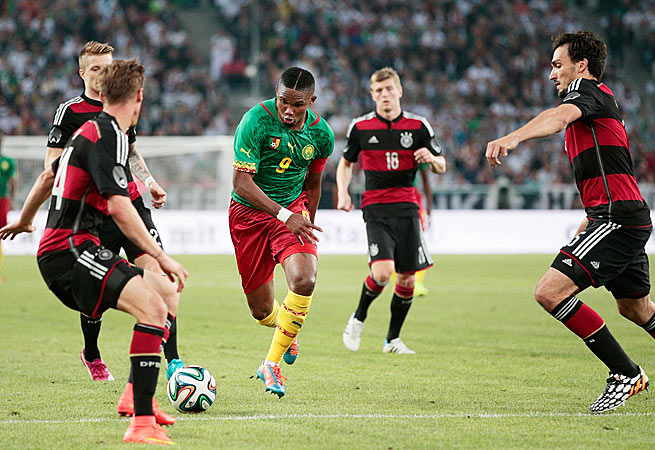 Samuel Eto'o (9) put Cameroon ahead in the 62nd minute, but it wasn't enough to defeat Germany.