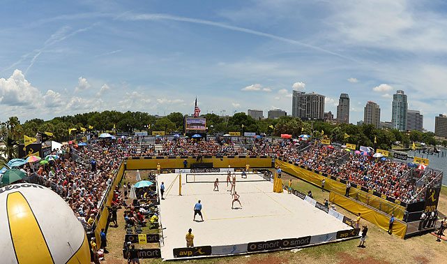 An overview of the women's fina match between Kerri Walsh Jennings/April Ross and Lauren Fendrick/Brooke Sweat.Walsh and Ross won 19-21, 21-15, 15-11.