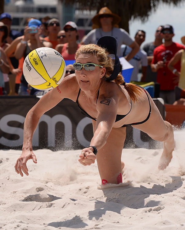 Kerri Walsh Jennings dives for a ball.