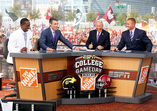 ESPN's College GameDay got way better ratings than Fox Sports 1's Fox College Saturday last season.