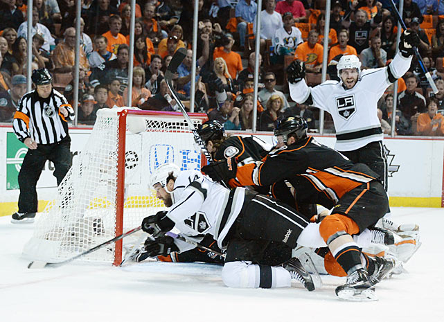 Western Conference champion Anaheim, with its explosive offense led by Ryan Getzlaf and Corey Perry, awaited in the second round. Despite their proximity, the local rivals had never met in the postseason, so this promised to be a memorable series for SoCal hockey. And once again, the Kings showed their proclivity for streakiness. After winning the first two games in Anaheim, L.A. dropped three straight, only to rally and force a Game 7, which the Kings won in a 6-2 rout in Anaheim.