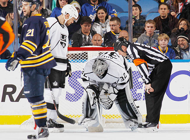 By November, the injury bug was biting key Kings such as Jonathan Quick, Jeff Carter, Matt Greene, Jarret Stoll, Kyle Clifford and Trevor Lewis. In all, the team lost 72 man-games through November, but still managed to produce a 16-6-4 record, good for third place in the new Pacific Division, despite scoring the fourth fewest goals in the conference.