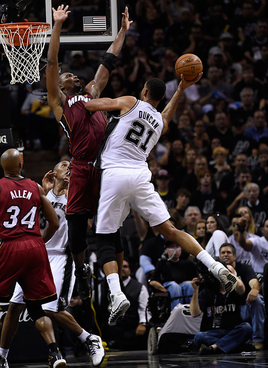 SI's best shots from Game 1 of the NBA Finals, in which Tim Duncan had 21 points and 10 rebounds in a winning effort.
