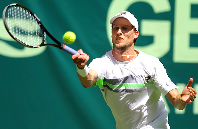 Philipp Kohlschreiber ousted Andreas Seppi 6-3, 6-4 in the first round of the Gerry Weber Open.