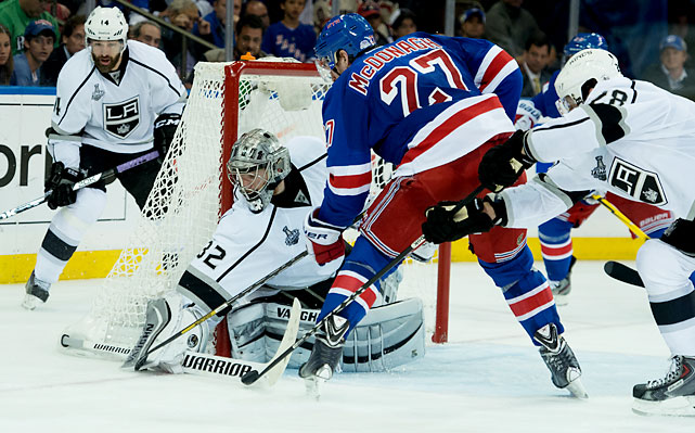 A Connecticut native, who grew up a fan of the Rangers and 1994 Stanley Cup-winning goalie Mike Richter, Jonathan Quick made 32 saves.