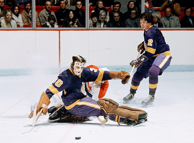 Goalie Rogie Vachon, an ex-Canadien, was an early star for the Kings, who wore distinctive uniforms.
