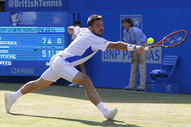 Stan Wawrinka sweeps Marinko Matosevic and moves into the semifinals at Queen's club.