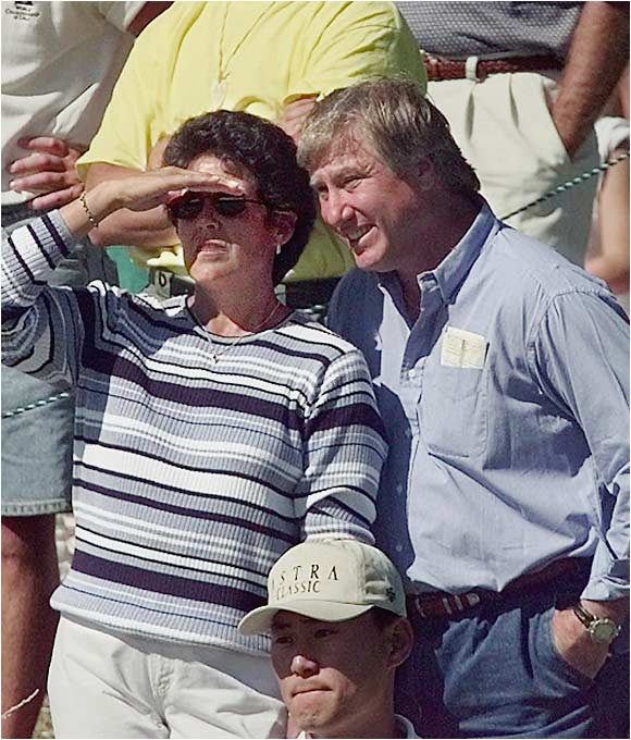 Women's golf legend Nancy Lopez married former New York Met Ray Knight in 1982. The couple live a low-key life in Knight's hometown of Albany, Ga., where they are raising three daughters.
