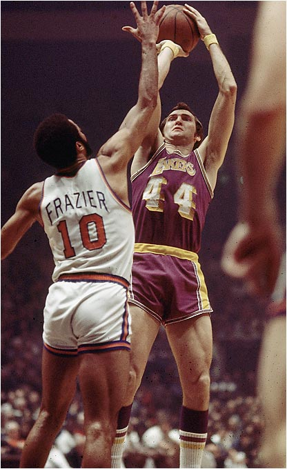 With a roster filled with future Hall of Famers, the Lakers won 33 straight en route to a 69-13 record and the NBA Championship in 1971-72. Gail Goodrich (25.9 ppg) and Jerry West (25.8) led the scoring, while Wilt Chamberlain, at the tail end of his career, provided a defensive presence in the middle. The 69 wins stood as a record until the Bulls won 72 in 1995-96.