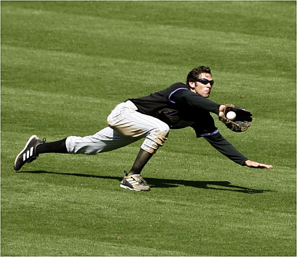 Hats off to Arizona's Shawn Green for making this diving catch against the Padres at Petco Park on Wednesday.